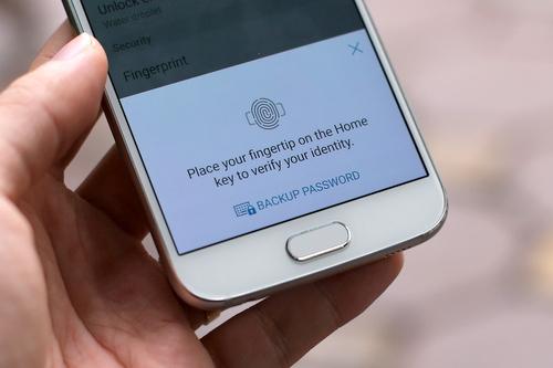 Ngay từ thiết kế, Samsung đã đem lại trải nghiệm tốt và thân thiện hơn với người dùng so với các thế hệ trước.