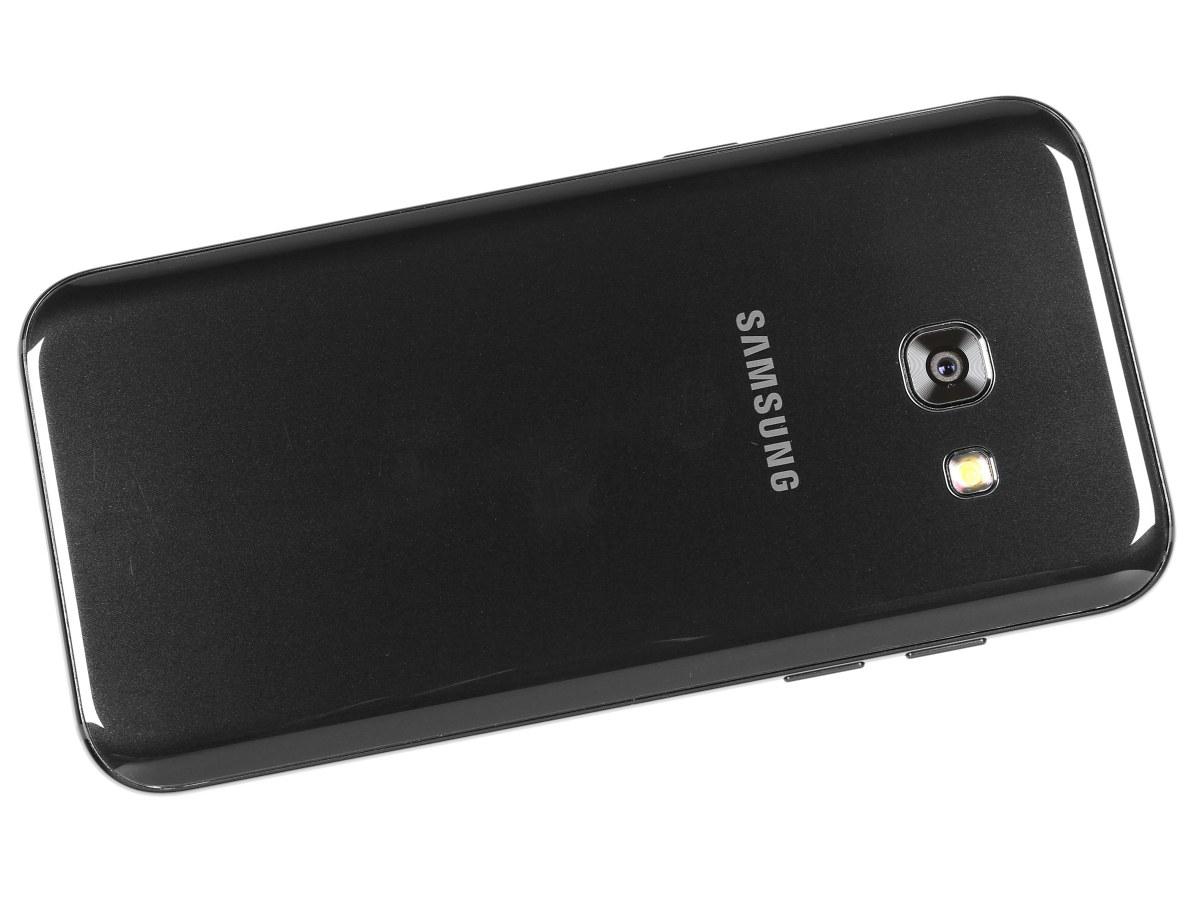 Samsung galaxy A3 2017 - chống nước