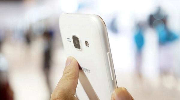 Samsung Galaxy J1 giá rẻ,tặng kèm sạc dự phòng 5000mAh tại Bình Minh Mobile
