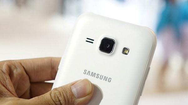 Samsung Galaxy J1 smartphone giá rẻ tặng kèm sạc dự phòng 5000mAh tại Bình Minh Mobile