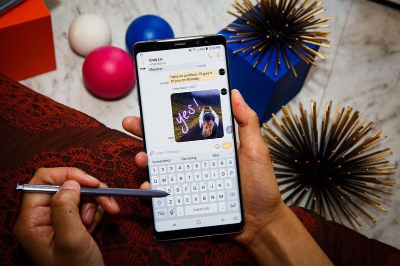 Trên tay Samsung Galaxy Note 8: cảm nhận của một siêu phẩm