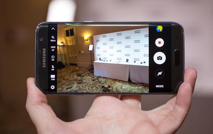 Camera chính có độ phân giải 12Mp với khẩu độ lên đến f/1.7 mang đến khả năng thu nhận ánh sáng đầy ấn tượng. Công nghệ Dual Pixel giúp lấy nét cực nhanh.