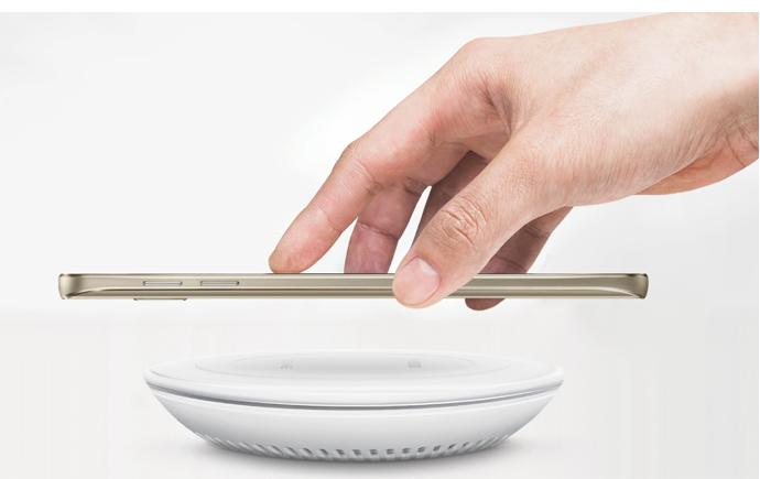 Với Galaxy Note 5 chế độ sạc sạc không dây rất nhanh chóng và hiệu quả mà bạn không thể chối từ. Chỉ với 120 phút sạc điện thoại bạn đã có thể sẵn sàng cho cả một ngày hoạt động