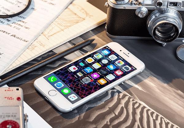 vệ sinh màn hình cảm ứng iPhone