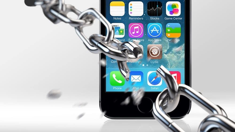 Jailbreak iOS là hành động can thiệp vào phần mềm nhằm phá vỡ 1 số rào cản bảo mật mà Apple đặt ra