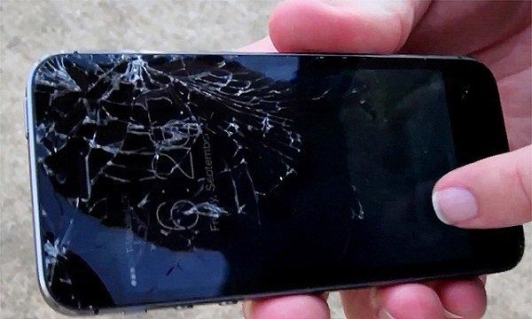 Điện thoại bị vỡ màn hình