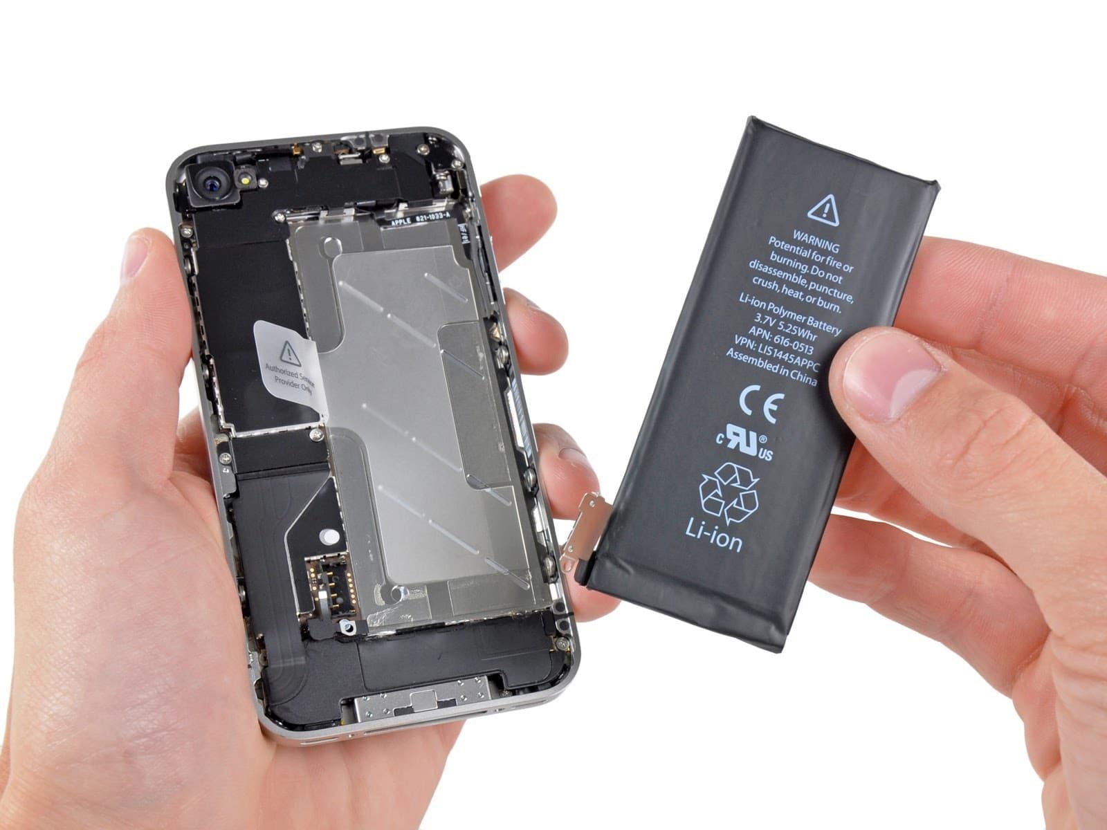 Thay pin điện thoại