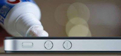 Cách khắc phục vết xước trên điện thoại đơn giản tại nhà