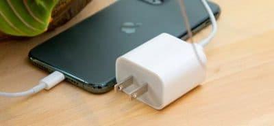 iPhone 12 cắt giảm phụ kiện bạn có cần phải lo lắng?