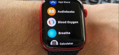 """Apple Watch Series 6 đã được trang bị thêm ứng dụng cần thiết là đo nồng độ oxy trong máu giúp bạn """"take care"""" sức khỏe tim mạch thường xuyên. Tính năng này dựa vào công nghệ thông minh như được trang bị một bộ cảm biến dùng đèn LED ở dưới nhằm thu lại những kết quả về nồng độ Oxy trong máu"""
